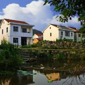 China Prefabricated Small Homes OEM Custom Design on sale