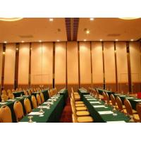 China Malaysia Soundproof Aluminium Wooden Sliding Partition Wall 85mm Thickness on sale