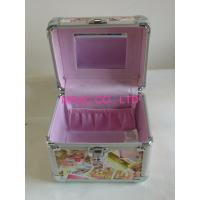 China Custom Large Aluminum Cosmetic Cases 4mm MDF , PVC Panel AND 220*150*180mm for sale