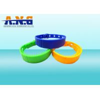Quality Rewritable  ISO14443A NFC Rfid Wristbands Silicone Customized Logo for sale