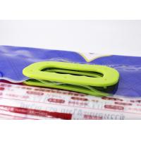China Detachable Type Plastic Heavy Holder Bag Handles Enclose On Gift Bags / Shopping Bags on sale