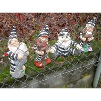 Quality 2011 new hot polyresin handmade garden gnomes for sale