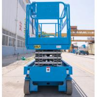 Quality Engine Powered  Indoor Scissor Lift 4 Wheel Drive Self Leveling For Constuction for sale