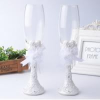 Quality polyresin wedding gifts colored glass goblet for lover decoration gift for sale