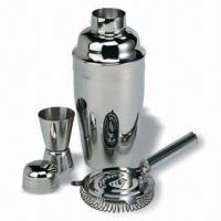 Quality Stainless steel cocktail shaker barware set, 3-piece set packed in PVC box tray for sale