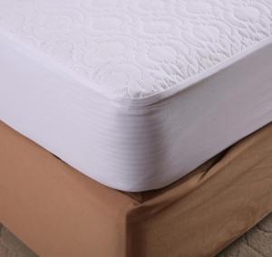 Quality Waterproof Microfiber Memory Foam Mattress Protector Heat Pressing Pattern King Size for sale