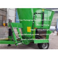 Quality Moving Dairy Cow Farms Vertical TMR Mixers With Heavy Duty Wheel for sale