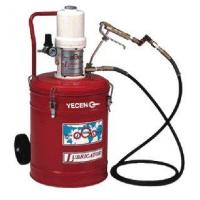 Pneumatic grease injector