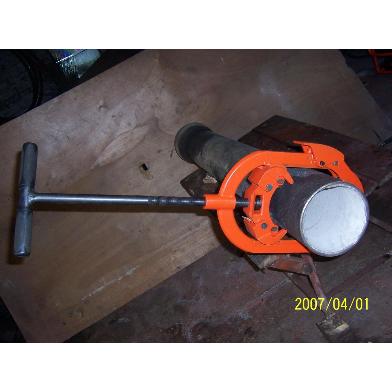 Quality Articulated pipe cutter. for sale