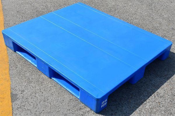 China 100% Closed Virgin HDPE Made Medical and Food Use Forklift Plastic Pallet for Cold Storage