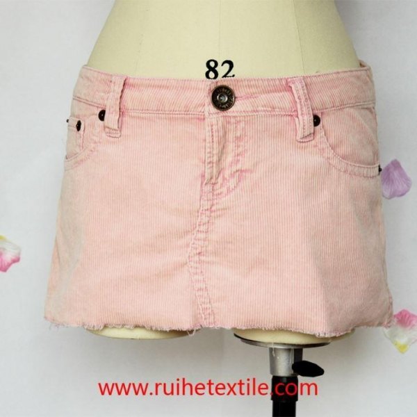 China Fashion Cotton Corduroy Fitted Mini Skirt for Women