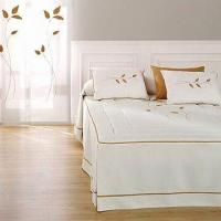 Hotel Bed Linen with Embroidery, Various Designs Available
